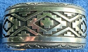 TOMMY SINGER NAVAJO STERLING SILVER  OVERLAY WIDE CUFF BRACELET Native American