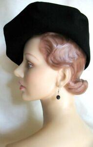 Very Cute!! Vintage 40's Black Felt Molded Clamshell Brim NY Creation!!
