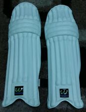 WOMBAT BATTING PADS, RIGHT HAND. ADULT SIZE,  EXCELLENT QUALITY. LIGHT WEIGHT.