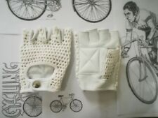 Vintage Style White Crochet Mitt