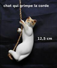 chat en céramique sur une corde,collection,décoration,bibelot, cat, kat (P-S2)