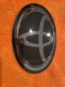Toyota Camry Sienna RAV4 Avalon Front Grille Radar Emblem OEM 53141-33130 RAV 4