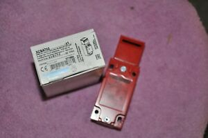 Telemecanique XCS A703 Safety Limit Switch 071888