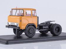 Scale model truck 1/43 KAZ-608 truck tractor