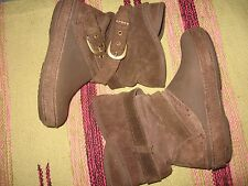 TODDLER GIRLS 10 CROCS BROWN SUEDE SLOUCH HARNESS SNOW WINTER BOOTS