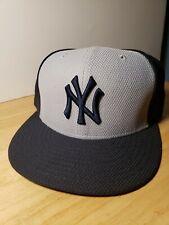 New Era New York NY Yankees 59Fifty Fitted Baseball Cap Hat Size 7 1/8 EUC