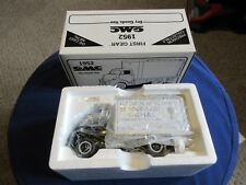 1st First Gear Nassau County Police NYPD 1952 GMC Traffic Safety Truck 1:34