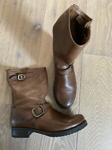 FRYE Veronica Short Brown Boots Size 9.5 New
