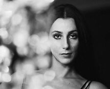 Cher UNSIGNED photo - G1341 - Burlesque, Tea with Mussolini & Faithful