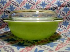 Vintage Pyrex 2 Qt Lime Green Casserole Dish with Lid in Excellent Condition