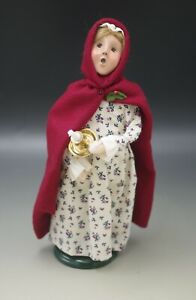 BYERS CHOICE 2000 WILLIAMSBURG COLONIAL CHILD WITH CANDLE AND RED CLOAK SIGNED