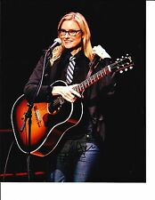AIMEE MANN SIGNED GREAT SMILE 8X10