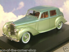 OXFORD DIECAST 1/43 1946-1952 BENTLEY MKVI MK6 SALOON BALMORAL/ICE GREEN BN6002