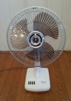 "NICE VTG. Sanyo 12"" Oscillating Desk Fan 3 Speed Works Great Excellent Condition"