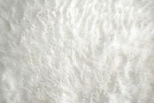 """WHITE CRAFT FUR MATERIAL GREAT FOR CRAFTS, COSTUMES, OR BABY PHOTOGRPHY 30X36 """""""