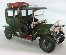 Di latta modello di un grande verde vintage trasporto Motorcar / Ornamento / REGALO
