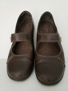 Clarks Mary Jane  slip on 8M Brown Leather Button Strap Comfort Shoes
