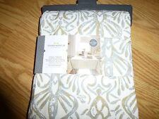 Table Cloth (silver, creme and gold) - NEW