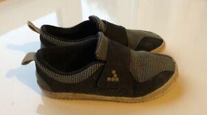 VIVOBAREFOOT Primus Minimal Barefoot Black Shoes Trainers Casual Kids UK12 31K