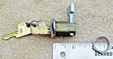 1 NOS   YALE   VINTAGE CABINET DOOR DRAWER LOCK  w/ 2 KEYS HARDWARE DESK