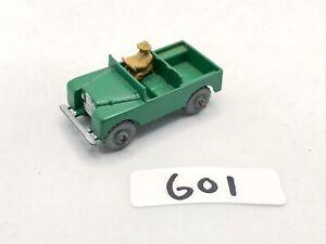 VINTAGE MATCHBOX MOKO LESNEY #12 LAND ROVER + DRIVER GREEN DIECAST TOY CAR 1950S