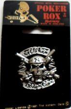 GUNS N ROSES ' SKULL & CROSSED GUNS  CAST METAL PEWTER BADGE1993 ALCHEMY CARTA