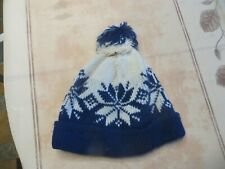Bonnet bleu et blanc « Exlan – Phegelleicht » avec pompon POIDS : 68 grs HAUTEUR