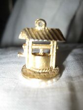 DARLING GOLD TONE DIMENSIONAL WISHING WELL CHARM W/FAUX PEARL ACCENTS SIGNED CS