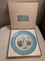 "Avon Christmas Plate Series 1974 ""Country Church""By Enoch Wedgewood  England-Box"