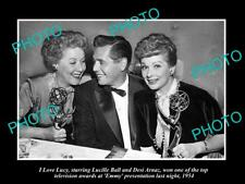 OLD LARGE HISTORIC PHOTO OF I LOVE LUCY LUCILLE BALL WITH HER EMMAY AWARD 1954