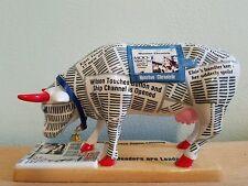 Cow Parade Figurine (Houston Chronicow) 2001