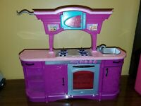 2008 Barbie Doll My Dream House Glam Pink Kitchen furniture Stove Sink