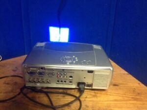 Hitachi Multimedia Projector XGA CP-X880