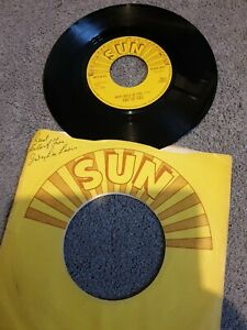 """Jerry lee lewis great balls of fire 7"""" Sun Records 6094 007 / Whole Lotta Shakim"""