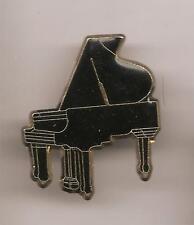 Pin's pin PIANO A QUEUE NOIR (ref CL23)