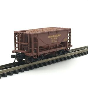 Atlas 32134 N Scale Union Pacific 70 Ton Ore Car with Load UP 8024