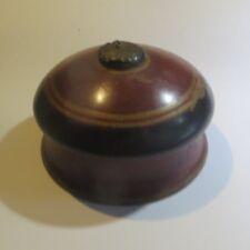 Bonbonnière ou boîte à bijoux en bois exotique – 1 éclat à la base