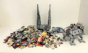 gros lot de Lego Star wars avec le 7675 75104 75042 + vrac  2,3 kilo et minifigs