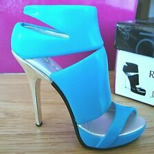 Just The Right Shoe - Extreme (see my other items for 90+ shoes)