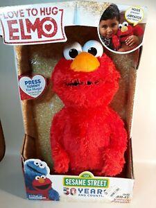 Sesame Street Love to Hug Speaks Elmo Figure 12in  New With Tags!