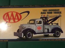 FIRST GEAR COLLECTIBLE 1937 CHEVROLET AAA TOW TRUCK 1/30