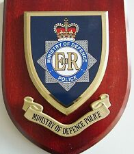 MOD MINISTRY OF DEFENCE POLICE CLASSIC HAND MADE IN UK MESS / WALL PLAQUE