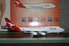 Blue Box/BBOX 1:400 Qantas Boeing 747-400 VH-OEH Die-Cast Model Plane