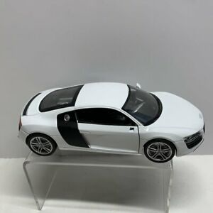 Audi R8 scale 1/24 Welly white Car - Die cast Collectable CAR LARGE