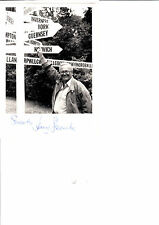 ORIGINAL SIGNED UNDEDECATED AUTOGRAPHED PHOTO OF HARRY SECOMBE 7 x 5 INCH B/W