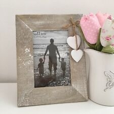 WOODEN PHOTO PICTURE FRAME WHITE HEART SHAPES SHABBY RUSTIC CHIC 6 X 4 PHOTO SZE