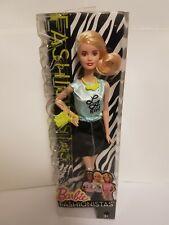 Poupée Barbie Fashionistas - LA Girl
