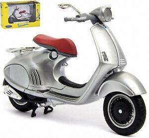 Piaggio Vespa 946 Bellissima 2014 Motor Scooter Silver 1:18 Welly