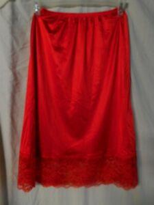 VINTAGE VASSARETTE LADIES NYLON RED HALF SLIP WITH LACE/SIZE MEDIUM/PRE-OWNED