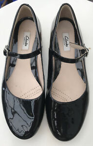 Clarks Narrative Black Patent Flat Mary Jane Shoes UK7 D EU41 Buckle Shiny